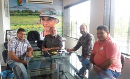 Comissão de Jacaré dos Homens é recebida na sede do ITERAL
